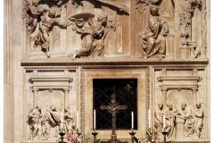 Mise a Szent Ház előtt