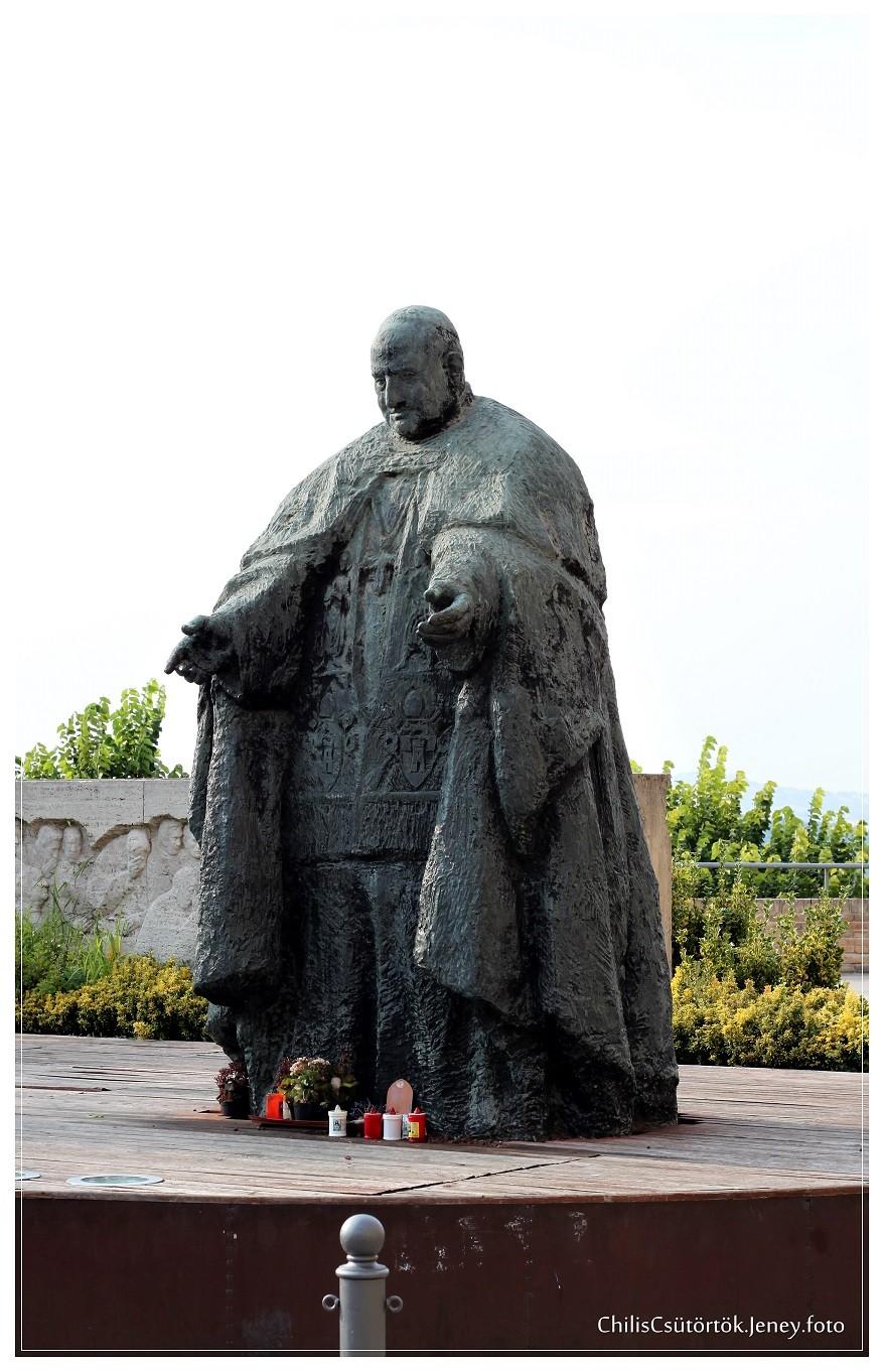 San Pavarotti
